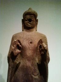 Bouddha enseignant en bois. Vietnam, Oc Eo. Musée d'histoire