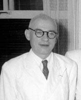 Louis Malleret, de l'EFEO, archéologue. Il quittera Saigon en 1957.