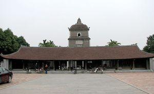 Chua Dau, créé au 7è isècle, 7th century. Il fut reconstruit sous les Tran