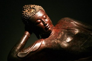 dynastie-letrunghung-17th-18th-century-bouddha-couche-bois-wood