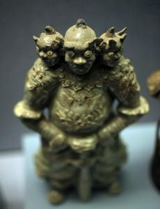 dynastie-nguyen-gardien-loi