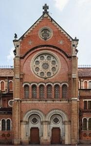 Une cathédrale roman revisitée vers le gothique