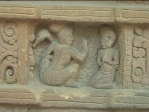 sculpture-cham-master-disciple-hossu-style-dongduong